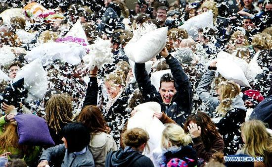 international-pillow-fight-day