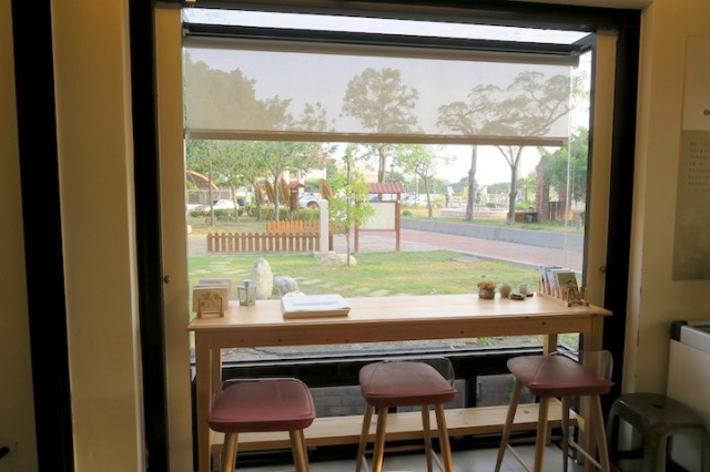 Window seat in Good Food Cottage, Tainan